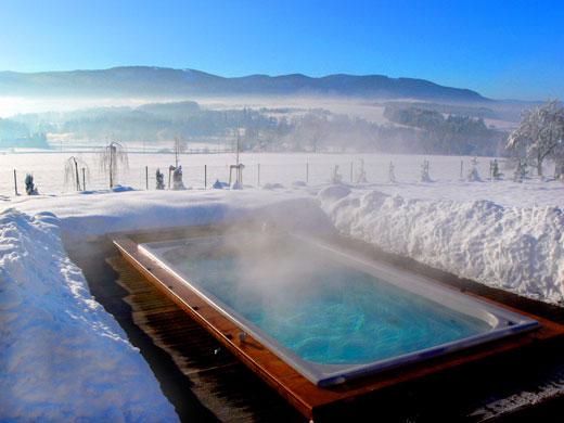 Плавательный бассейн спа зимой