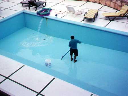 консервация и чистка бассейна