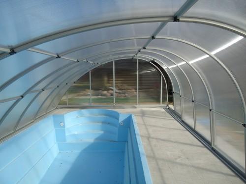 Композитный бассейн с римской лестницей и павильоном