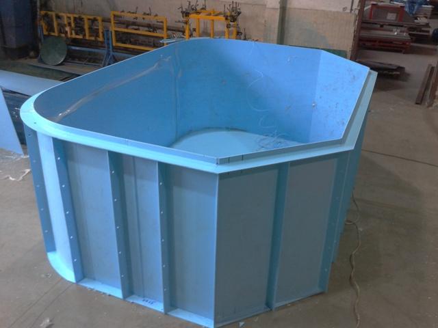 Пластиковый бассейн для бани и дачи