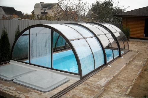 Композитный бассейн для дачи с павильоном из поликорбаната