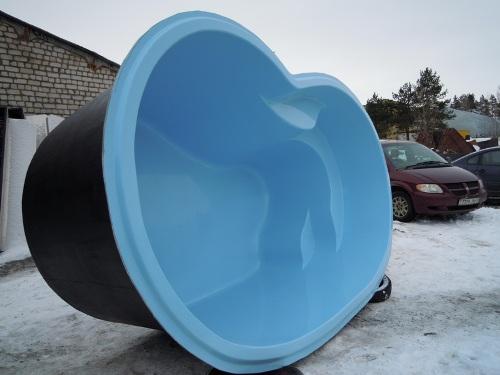 чаша композитного бассейна