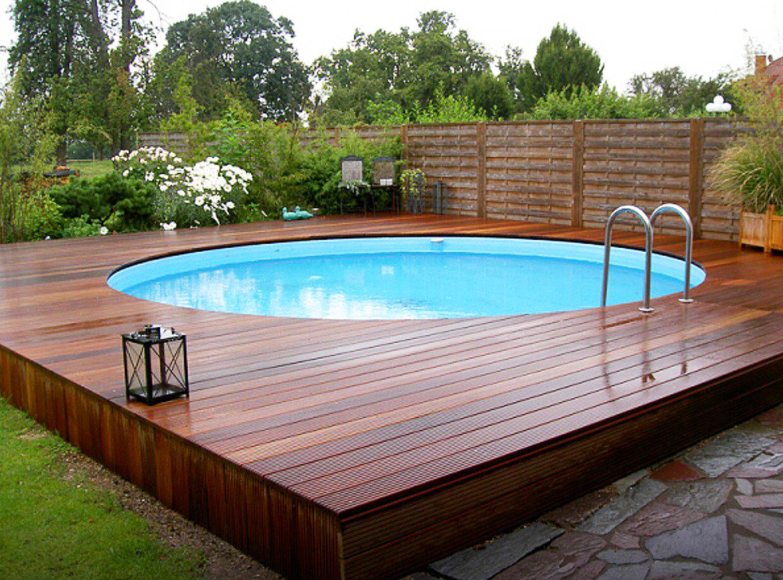 Круглый бассейн  на даче