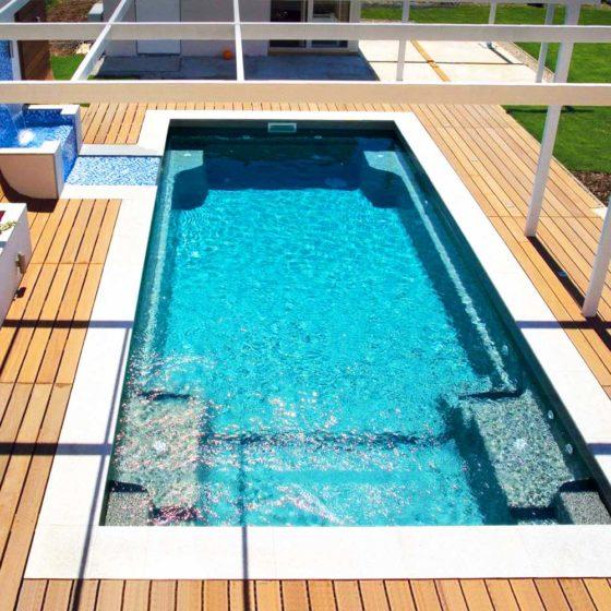 Композитный бассейн правильной прямоугольной формы